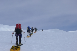Hutch climbers sled up Denali
